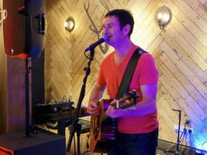 Andy Thomas - Acoustic Covers